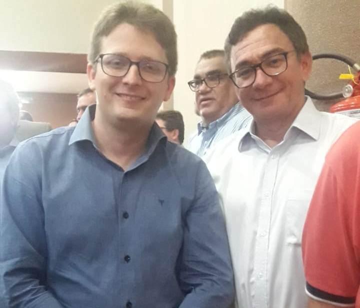 Prefeito participa de ato de filiação do deputado Átila Lira em Teresina