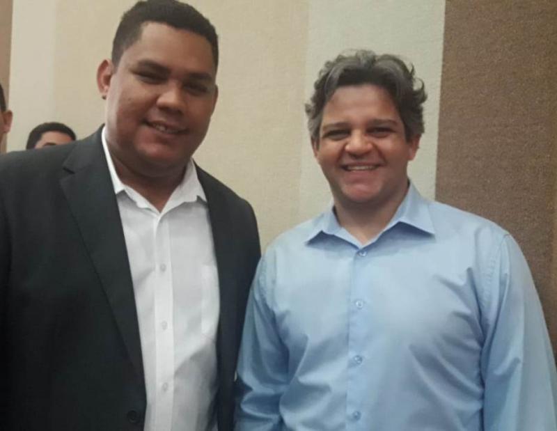 Prefeito Robertinho participa de ato de filiação do deputado Átila Lira