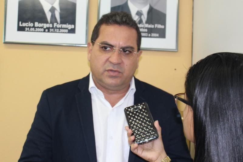Júnior Carvalho participa da posse da presidência da AMPAR