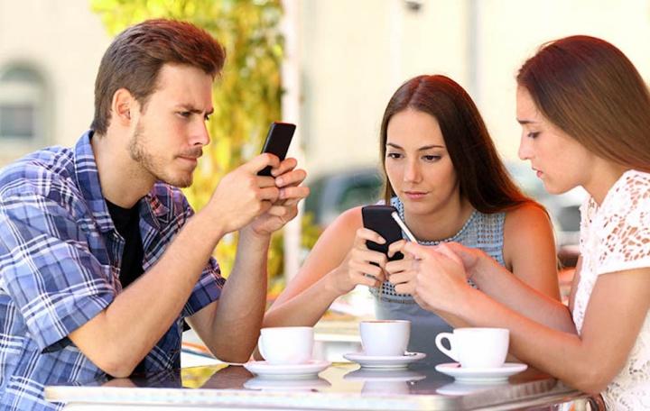Você sabia que tira o celular do bolso mais de 200 vezes por dia?