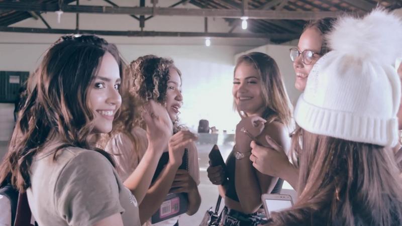 Artistas se reúnem para gravar clipe cover de Sandy e Júnior