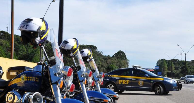 PRF registra grande fluxo de veículos com destino ao litoral