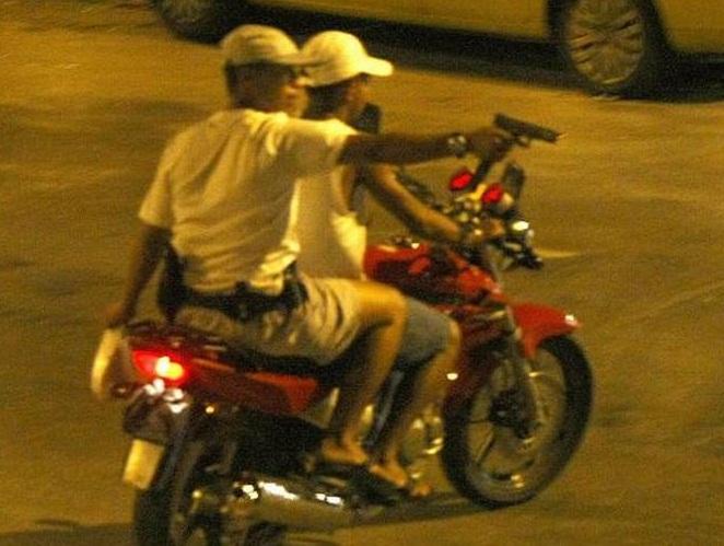 Bandidos assaltam comércio e roubam moto na zona rural de Cabeceiras