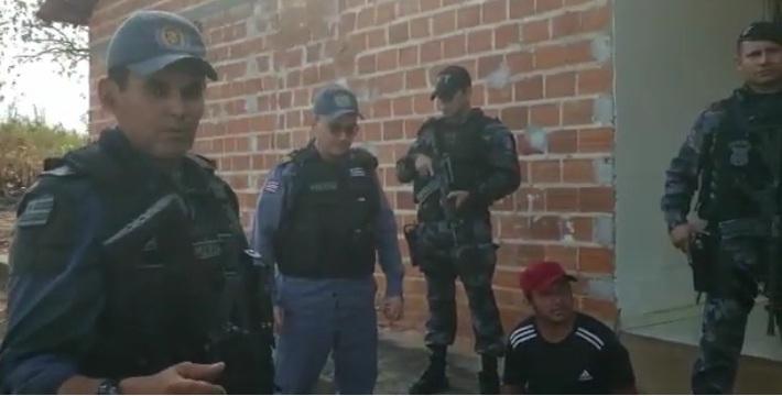 Vídeo: FT/Timon recupera carro roubado e apreende arma de fogo em Chácara