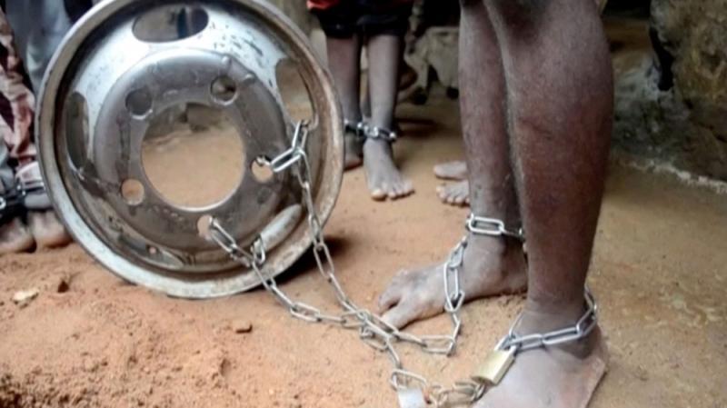 Polícia resgata mais de 300 jovens torturados na Nigéria