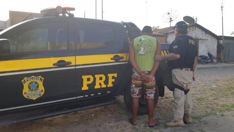 PRF realiza operação na BR 343 e flagra motociclista alcoolizado