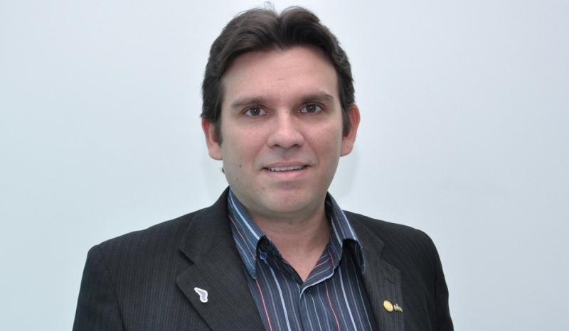 Marllos Sampaio muda domicílio eleitoral para disputar em Valença do PI