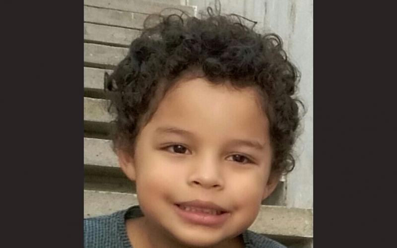 Menino de 5 anos morre atingido por bala perdida no réveillon