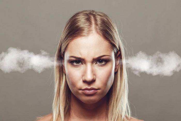 Engolir emoções pode ter relação com infartos, diz pesquisa
