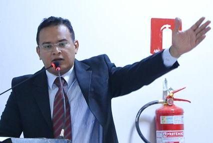 Piripiri | Vereador critica cobrança de taxas abusivas no mercado