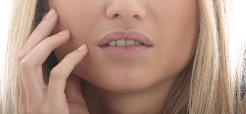 7 coisas que uma afta na sua boca pode estar revelando sobre sua saúde