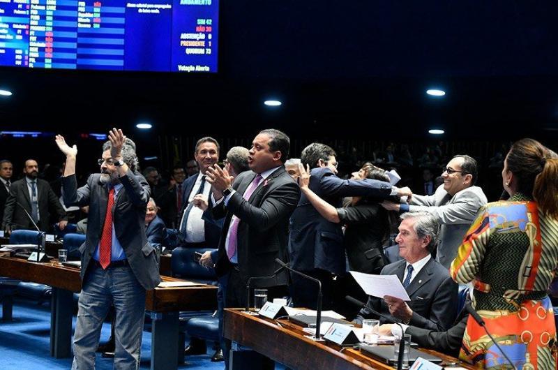 Senado conclui votação da Previdência após rejeitar destaques
