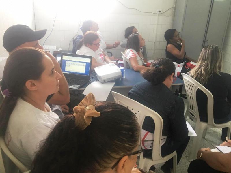 Santana do PI realiza treinamento com ACS para utilização de tablet's