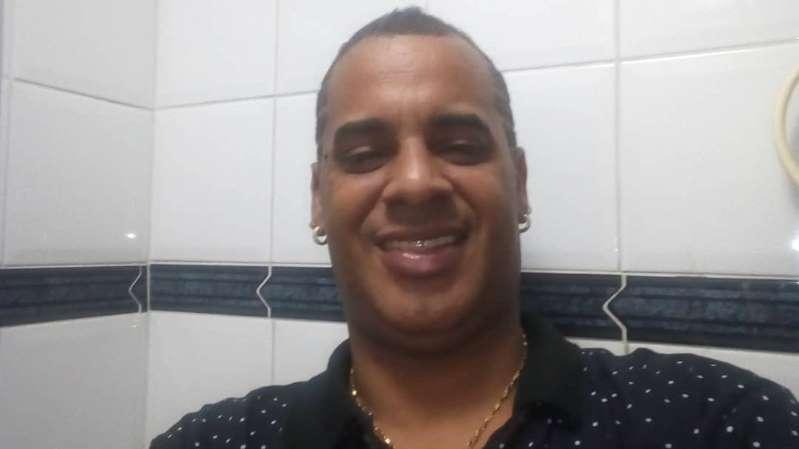 Depois de pedir ajuda na rua, Xexéu é internado em clínica de reabilitação