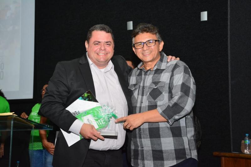 SECOM de Floriano recebe homenagem em Seminário Internacional