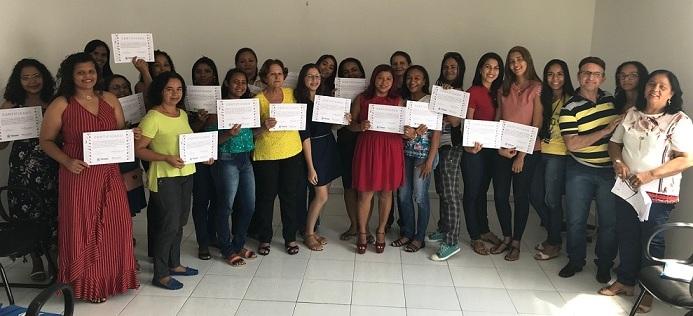CRAS Parque Piauí profissionaliza usuários com curso de cabeleireiro