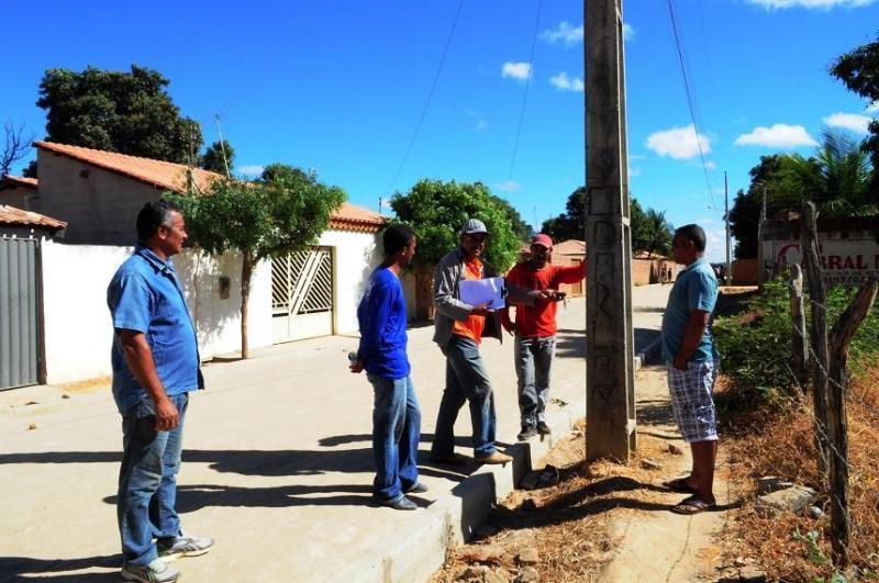 Bairro de Avelino Lopes recebe energia elétrica