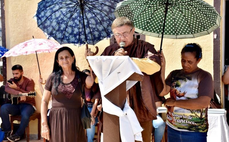 SÃO JULIÃO | Fiéis celebram 60 anos do festejo de São Francisco de Assis