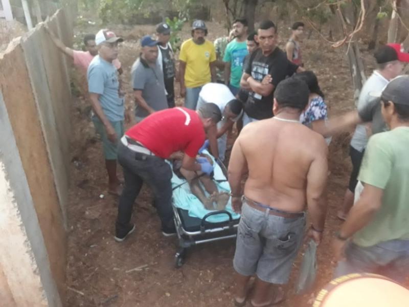 Jovem de 18 anos morre ao colidir moto contra muro no Piauí