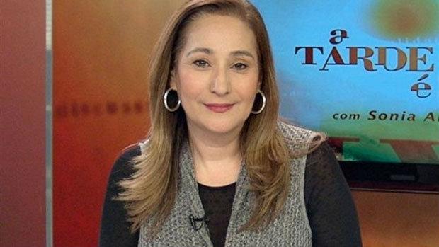 Sonia Abrão é hospitalizada e preocupa fãs