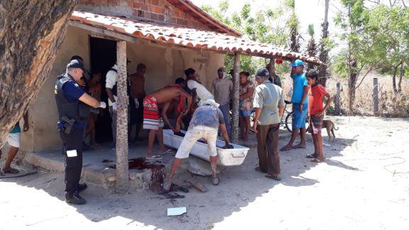 Homem é assassinado a facadas durante bebedeira no Piauí