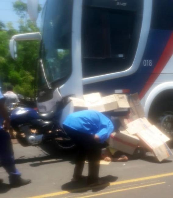 Acidente entre ônibus e moto deixa uma pessoa morta no Piauí