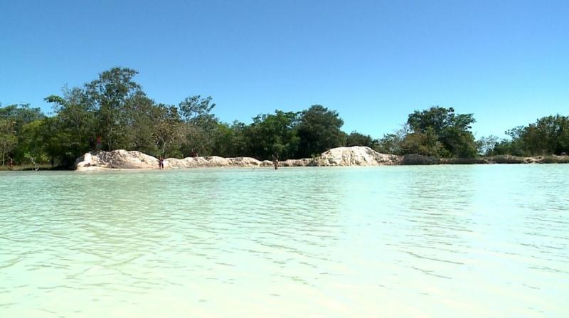 Lagoa paradisíaca virou sensação para turistas em cidade piauiense