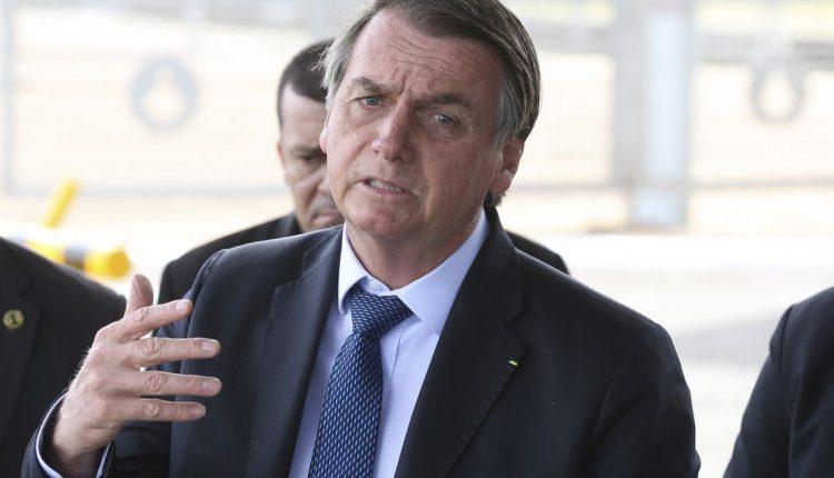 Bolsonaro veta PL que exigia psicologia e assistência social em escolas