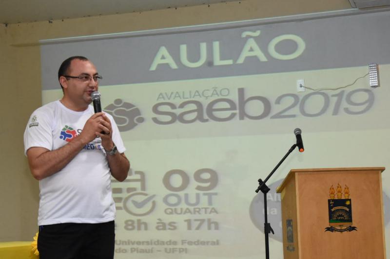 Alunos da rede municipal participam de Aulão de Revisão da prova SAEB