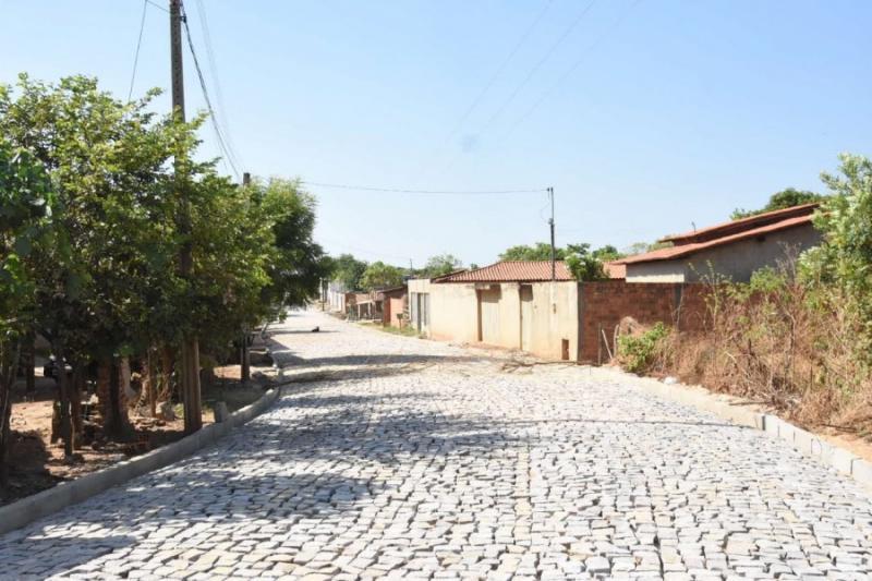 Cajueiro II: retomada as obras de pavimentação poliédrica