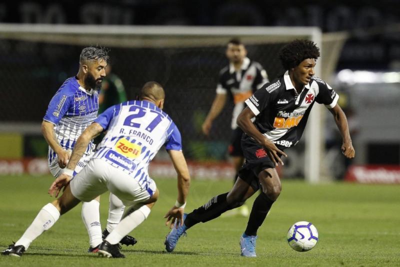 Fluminense, Vasco e Botafogo reduzem risco de rebaixamento no Brasileirão