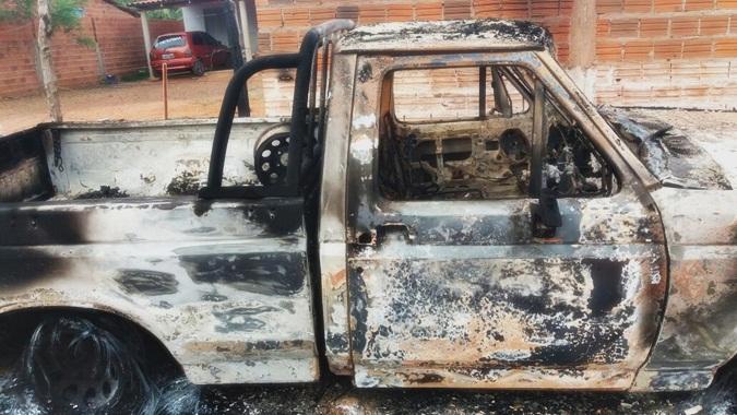 Polícia investiga casos de incêndio a veículos no Piauí