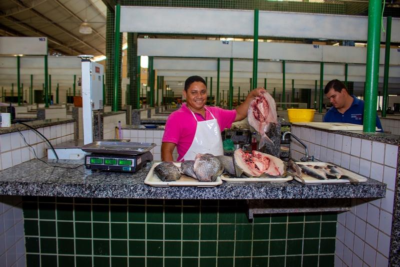 Mercado Municipal Dona Lili: o espaço comercial mais popular de Oeiras