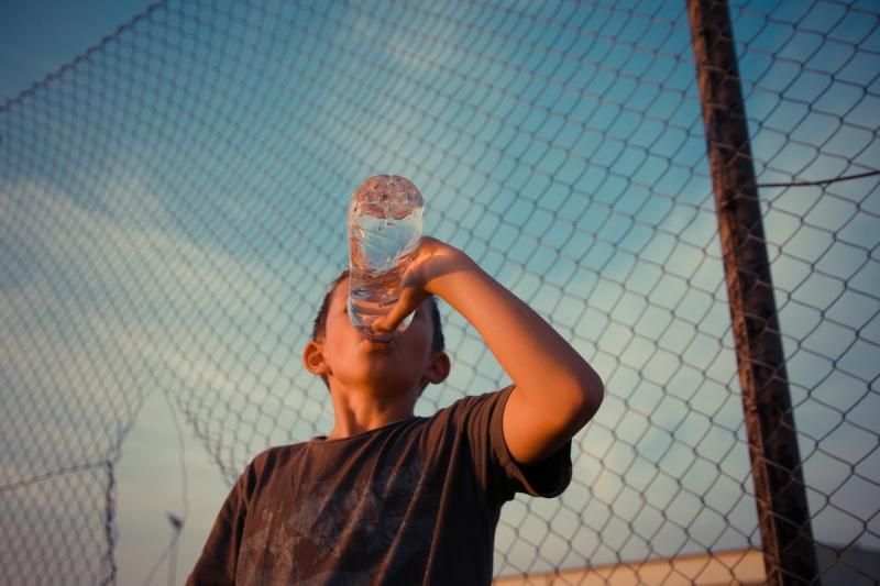 Saúde alerta para cuidados com as crianças durante o calor
