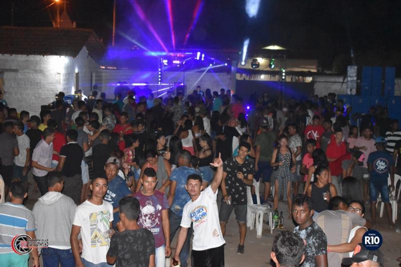 LASER SOM | Arrasta centenas de regueiros no Clube Espaço Livre