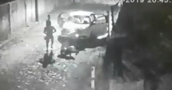 Taxista é espancado e esfaqueado durante assalto em Teresina