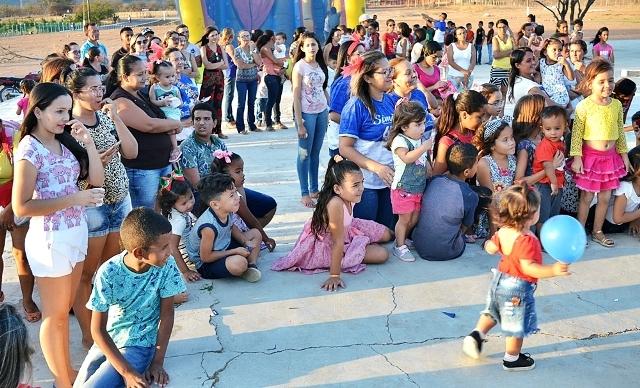 Simões realiza atividades lúdicas em comemoração ao Dia das Crianças