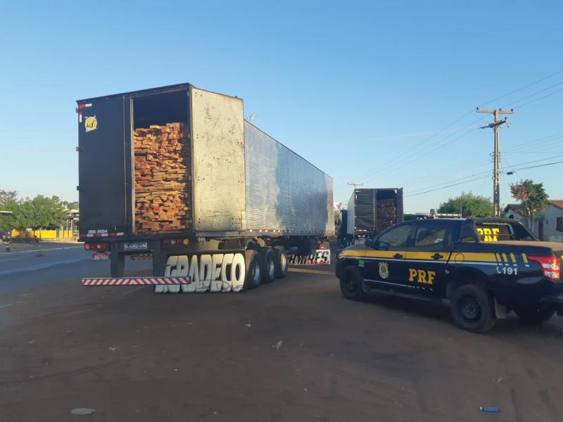 PRF apreende grande quantidade de madeira sem licença na BR 316