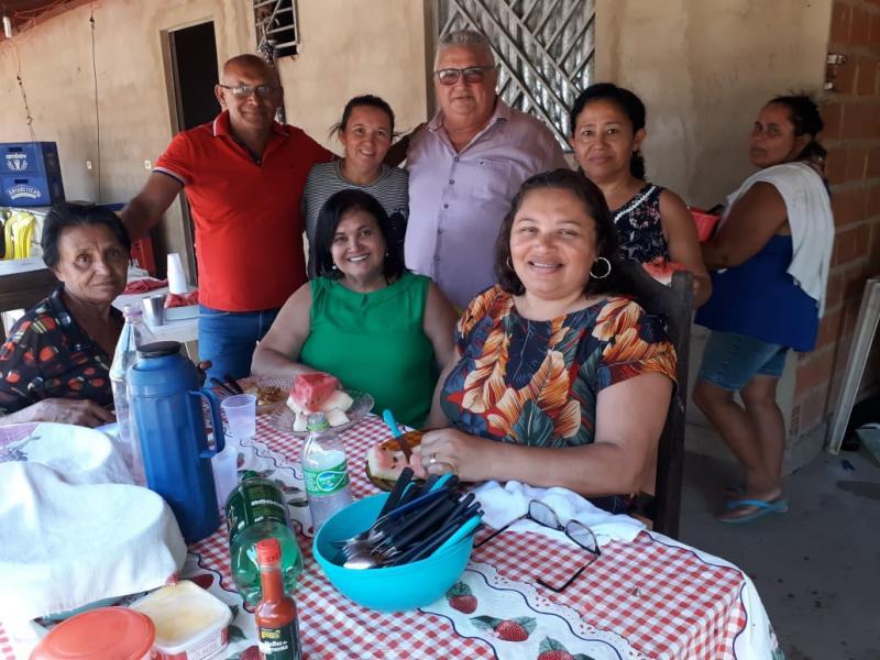 Prefeito Dr. Alcione participa de almoço na comunidade Baixão do Coco