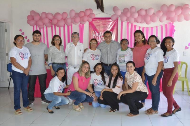 Saúde realiza ação preventiva no 'Outubro Rosa' na UBS Santa Cruz