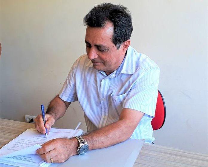 Prefeito Genival Bezerra encaminha Projeto Lei para Câmara Municipal