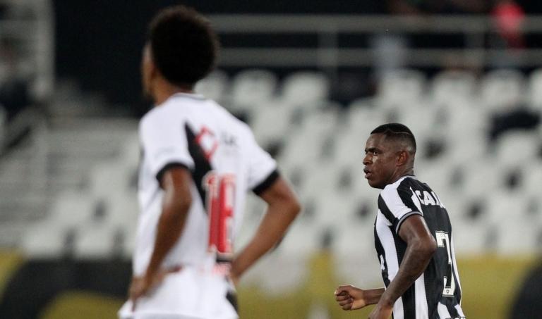 Vasco e Botafogo disputam clássico pelo Campeonato Brasileiro