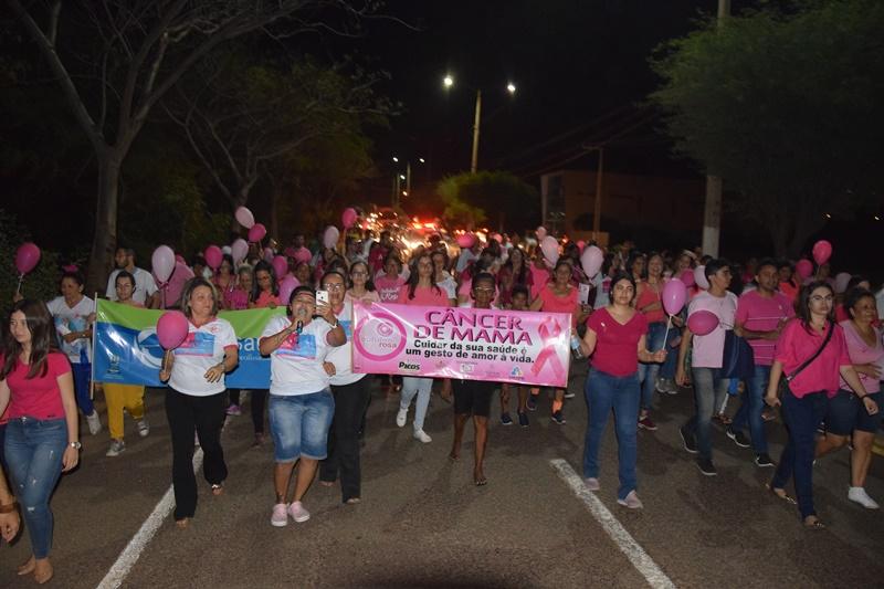 Em Picos, Saúde promove caminhada em conscientização ao Outubro Rosa