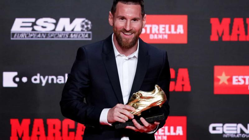 Messi recebe Chuteira de Ouro e diz priorizar Campeonato Espanhol