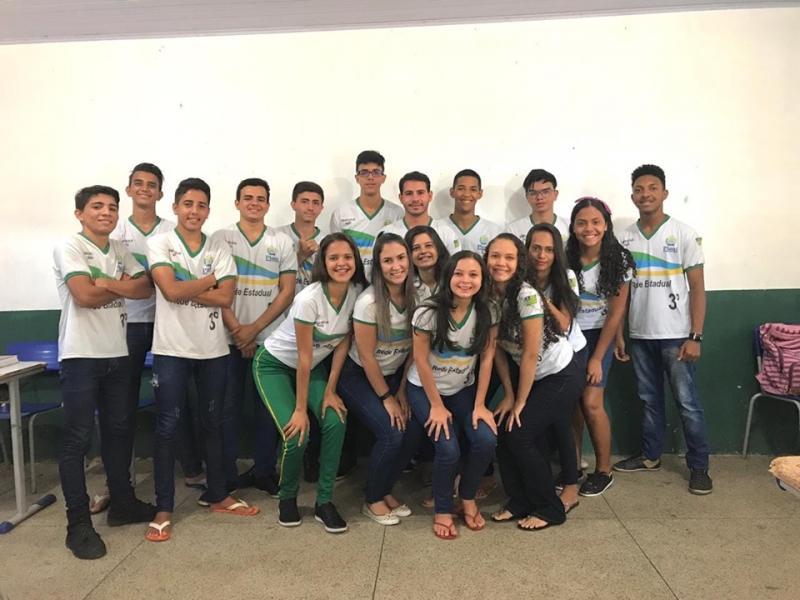 Grande mobilização da Turma do 3° ano A manha , da Unidade Escolar Irapuá .