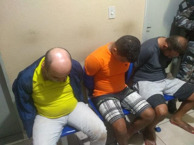 Trio suspeito de planejar assalto ao Comercial Carvalho é preso