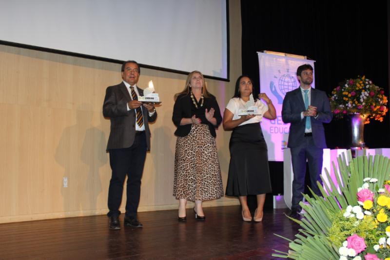 Prefeito de Água Branca  recebe 'Prêmio Gestor Educador' da Undime