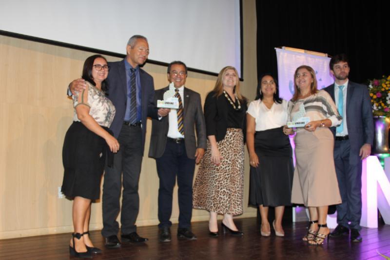 Prefeito de Sebastião Leal recebe 'Prêmio Gestor Educador' da Undime