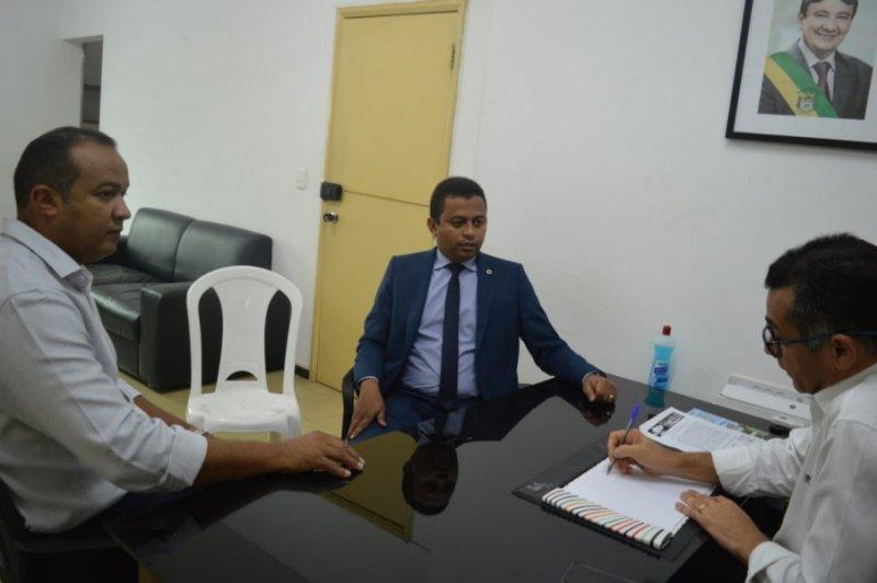 Governo discute solução para demora na emissão de RG`s em Floriano