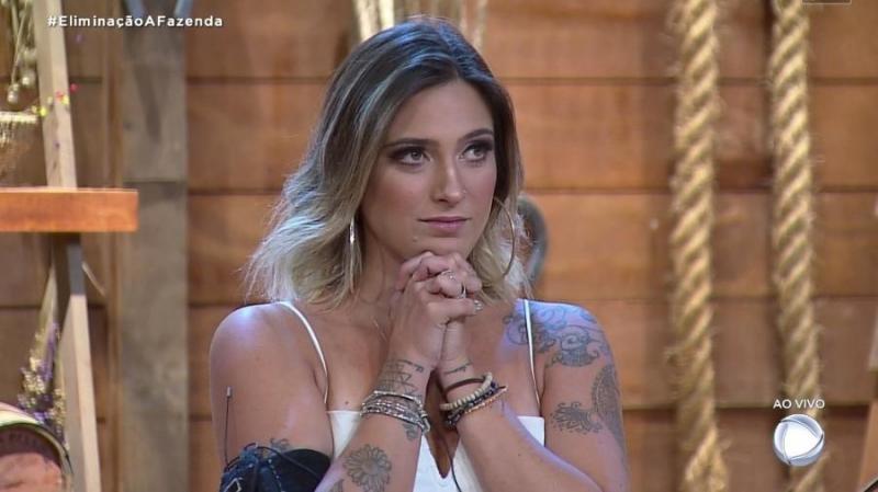 Tati Dias é eliminada de A Fazenda com 48,68% dos votos